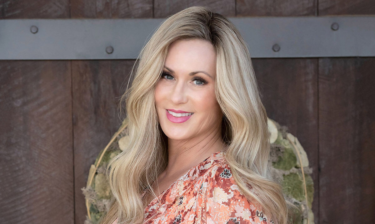 Life Happens For You Not To You, happening to me, happen to your life, don't let life happen to you, transformation, transform your life, transform your life circumstances, empowered living, disempowered vs empowered action, Melissa Hull
